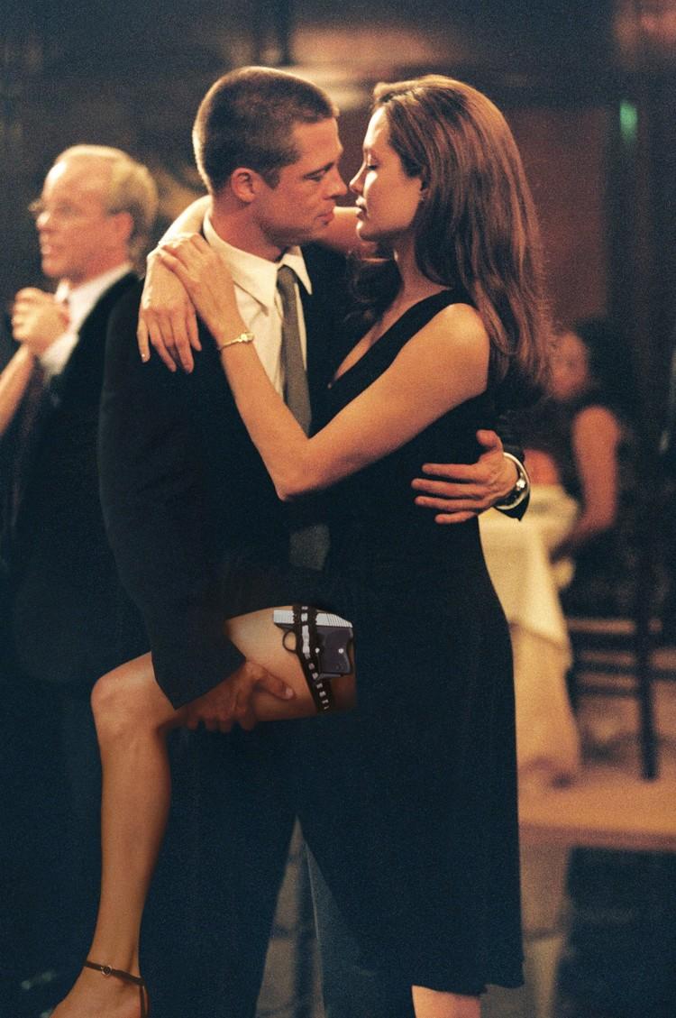 """Роман Анджелины Джоли и Брэда Питта разгорелся в конце 2004 года на съемках фильма """"Мистер и миссис Смит""""."""