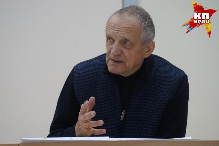 Тетюхин самостоятельно пытается развивать центр, но без государственных квот это получается медленно