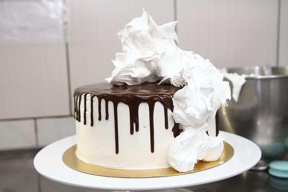 картинка упавший торт блюдо может сочетаться
