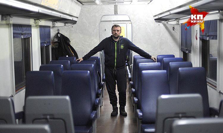 """Владимир Ворсобин в """"золотой"""" электричке. Такси дешевле!"""