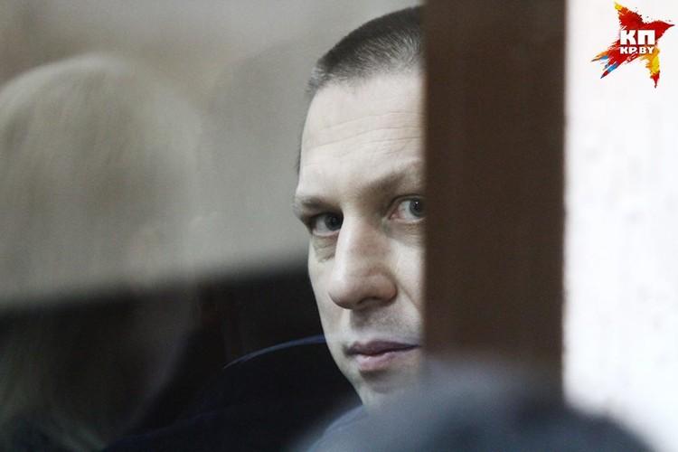 Бывшего заместителя начальника таможни Юрия Ковальчука обвиняют в бездействии должностного лица.
