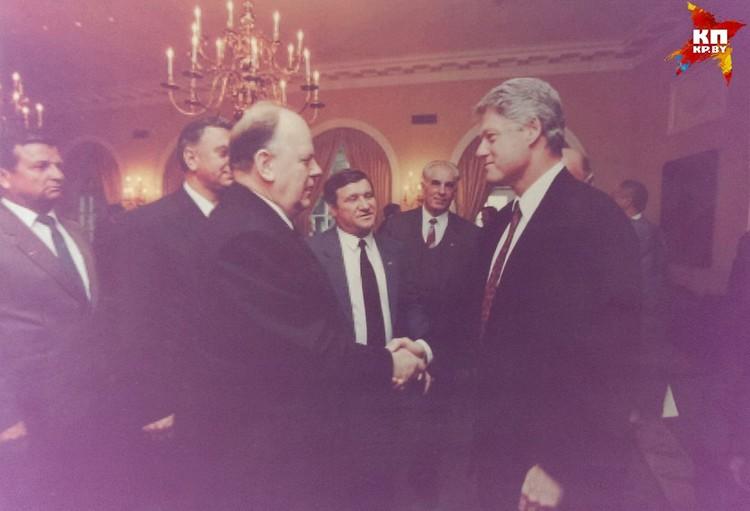 Билл Клинтон, будучи президентом США, прилетал в Беларусь в январе 1994-го. Фото: личный архив.
