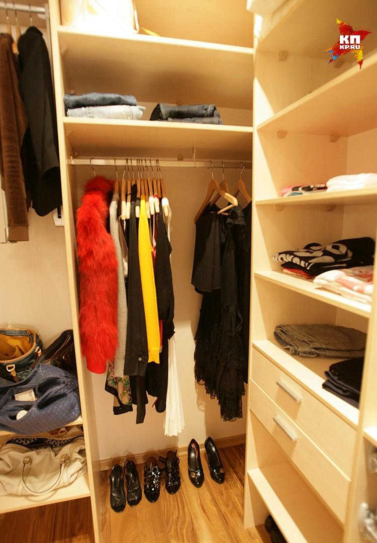Выбрасываем шкаф и делаем гардеробную