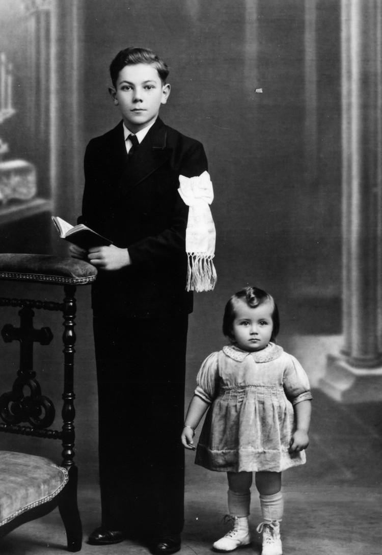 Детство. Певица со старшим братом. Фото: личный архив Эдиты Станиславовны
