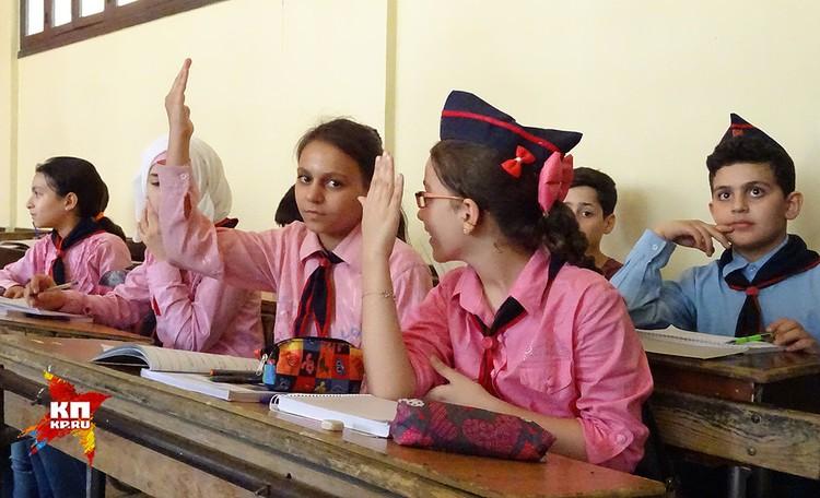 "Школьники медресе ""Аль-фуркан"" тянутся за знаниями."