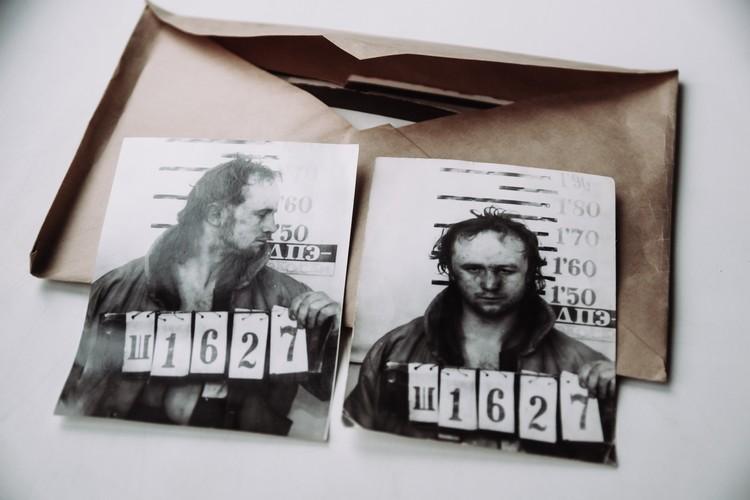Киллер Юрий Григорьев после задержания на Полевой. Тогда он расстрелял двоих человек, пытался скрыться, но оперативники его поймали