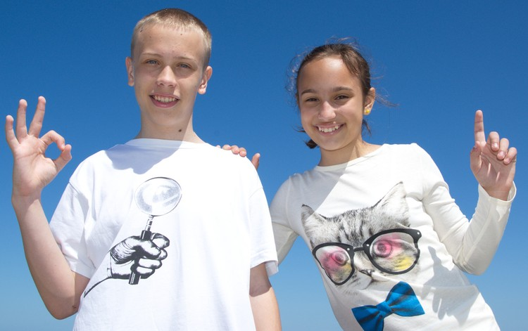 Алена с братом Максимом. Фото: catnfit.com