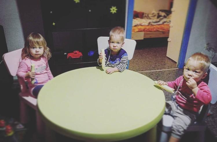 Дети Аксяновых.