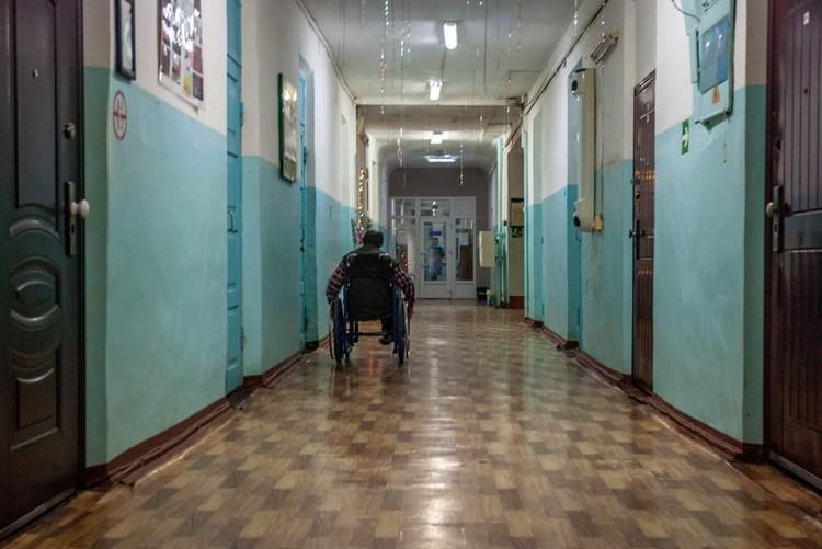 Больница, в которой хочется скорее умереть, чем вылечиться Фото: Александр Осокин