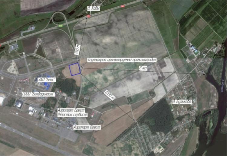Рядом с заводом - аэропорт и деревни.