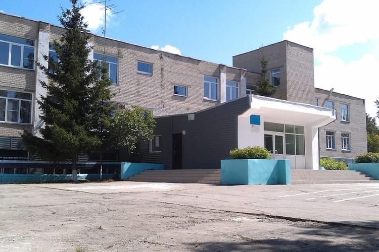 Та самая смольнинская основная общеобразовательная школа. Фото smolnoe74.ru