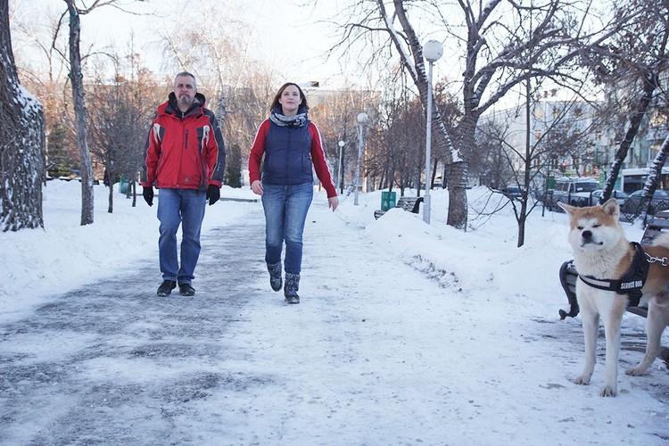 Обычная прогулка в парке с русской ходьбой может превратиться в оздоровительную процедуру