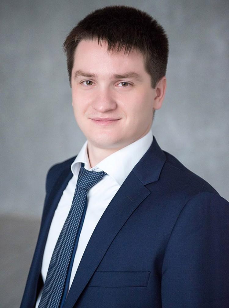 Алексей - гендиректор консалтинговой организации. В Орск он летел на деловые переговоры