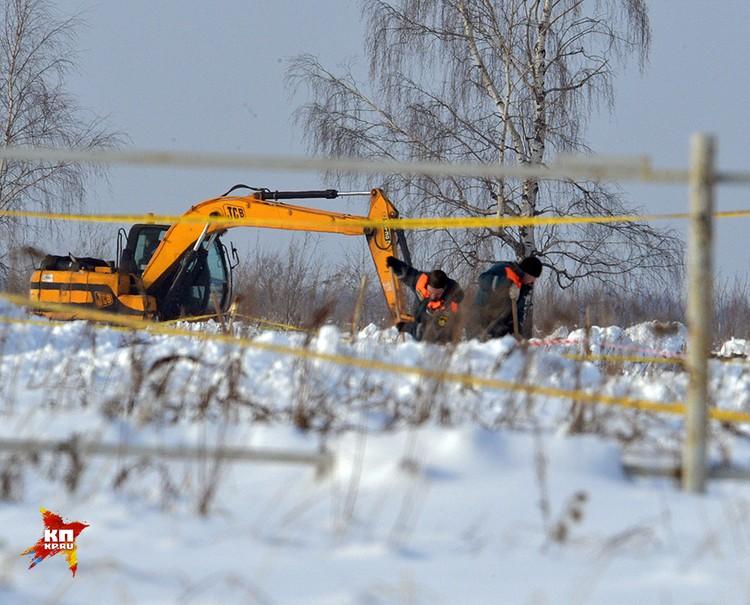 Спасатели все еще продолжают работу на месте катастрофы