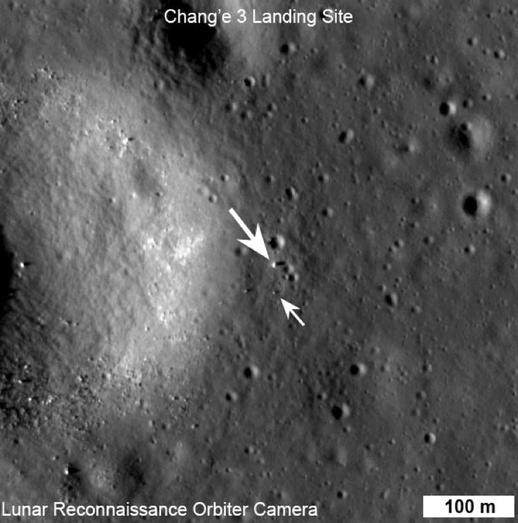 Снимок с борта американского дунного зонда LRO.