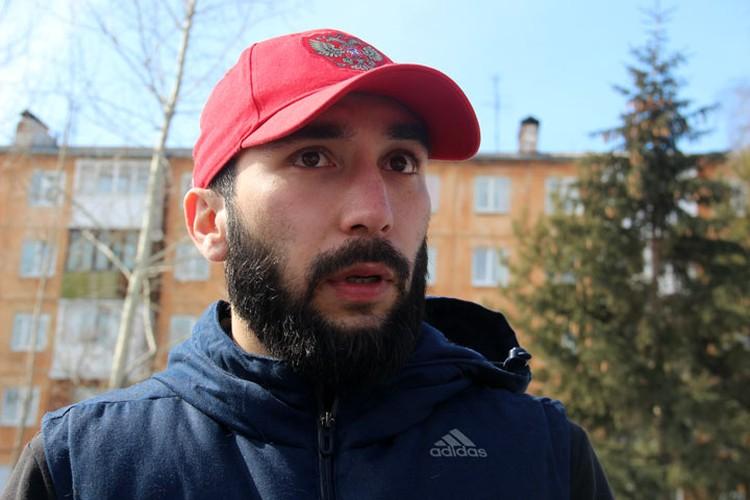 Мирсад Керимов говорит, что активисты обошли морги, больницы и даже хладокомбинат, проверяя информацию о 400 трупах