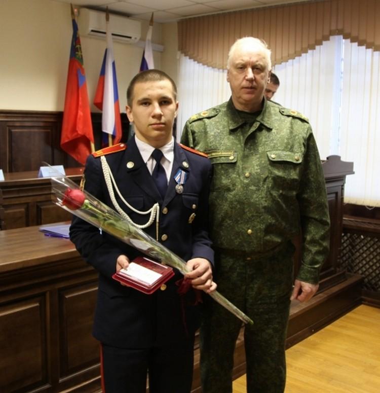 Слева кадет Дмитрий Полухин. Фото: СКР