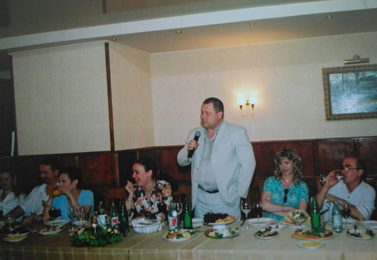 На многочисленных банкетов с участием представителей СМИ Филимонов был частым гостем.