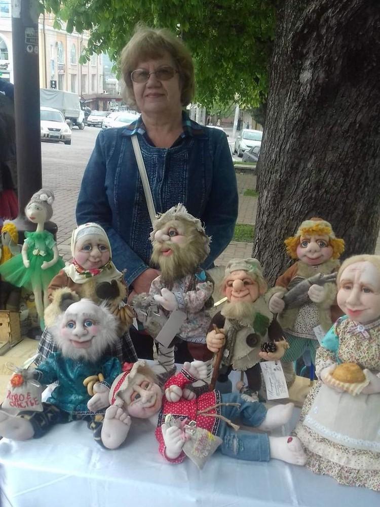 Инженер филиала МРСК Северного Кавказа - «Ставропольэнерго» Татьяна Каменева находит время, чтобы создавать уникальных кукол из синтепона и трикотажа