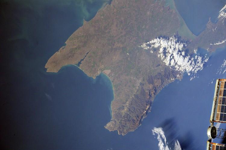 Крым -вид с орбиты. Фото: Антон Шкаплеров/VК