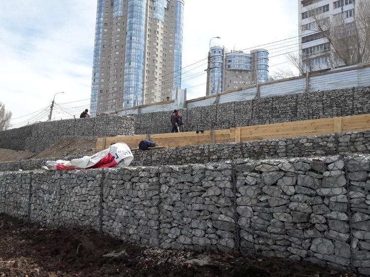 Депутаты попросили строителей не спешить