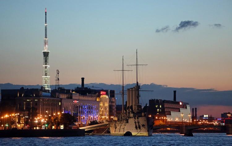 В Санкт-Петербург летают по два рейса, но не каждый день. Фото: Тимур ХАНОВ.