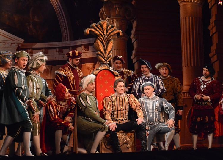 """""""Риголетто"""" впервые прозвучала на сыктывкарской сцене благодаря легендарной Ие Бобраковой."""