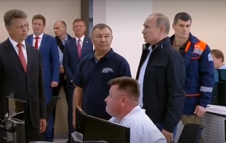 Владимир Путин посетил центр управления производством. Фото: скриншот онлайн-трансляции