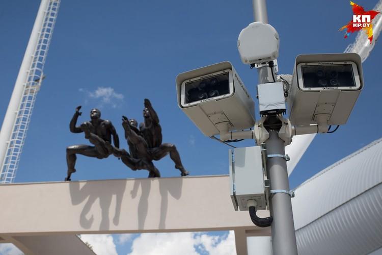 Камеры видеонаблюдения.