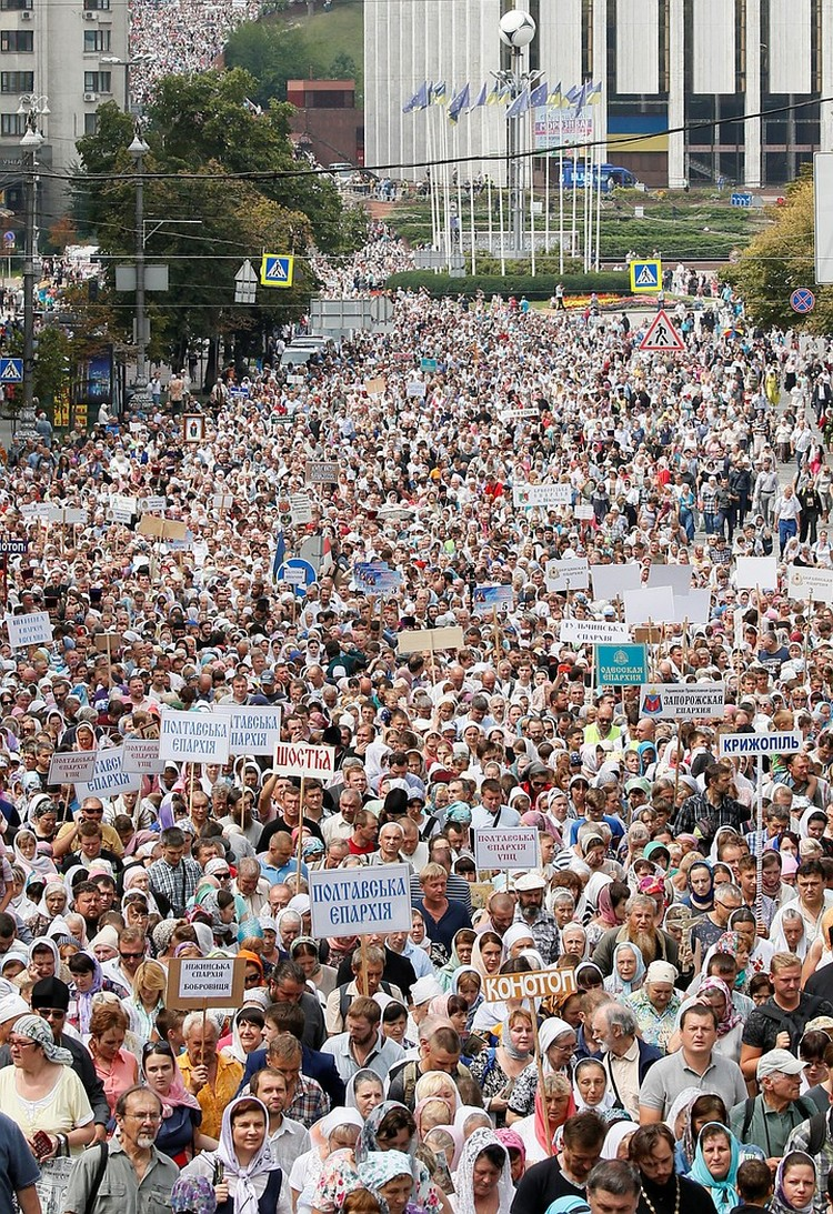 Крестный ход собрал порядка 250 тысяч паломников.