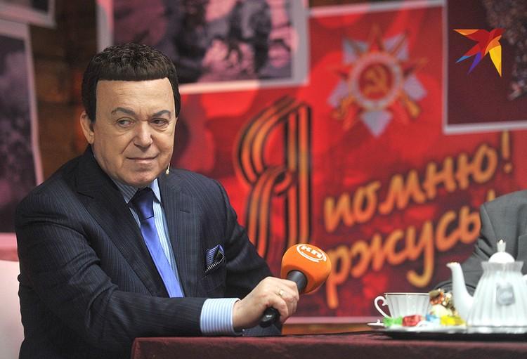 """Каждый май Иосиф Кобзон пел """"Песни Победы"""" на радио """"Комсомольская правда"""""""