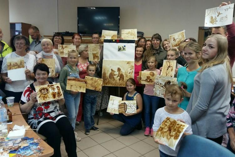 Художница провела мастер-класс в Ярославле.