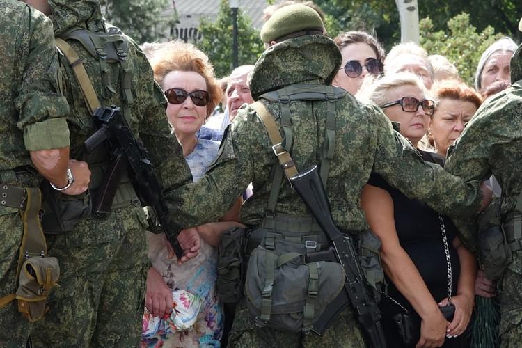 Захарченко ушел, но армия, которую он создавал – осталась.