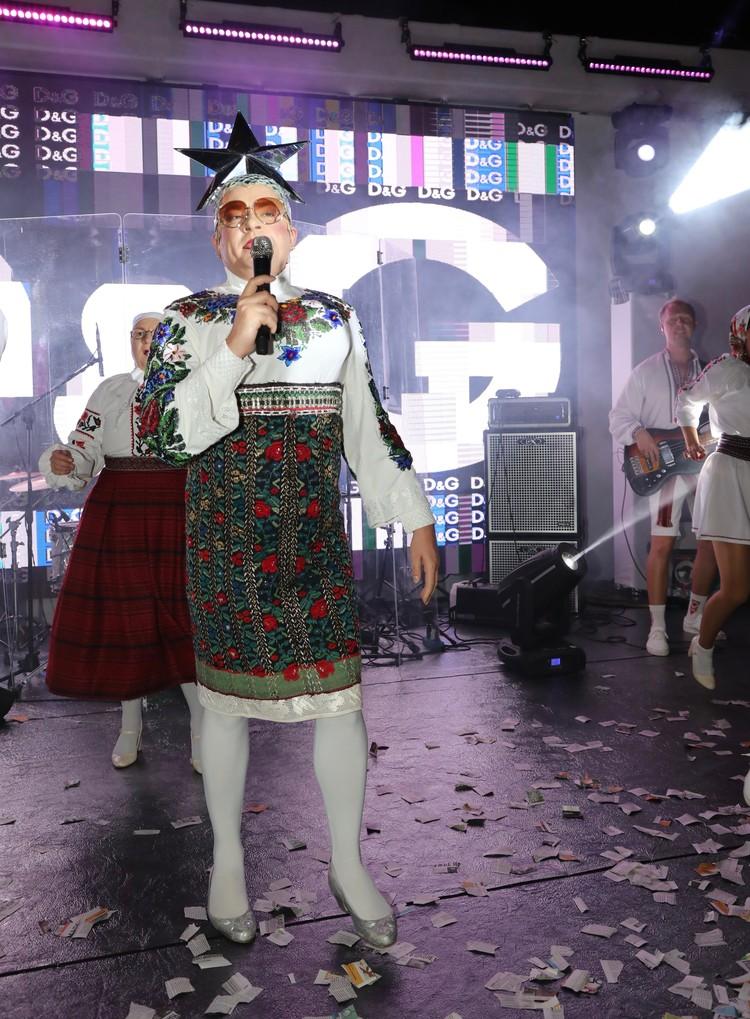 на «Новой Волне» состоялось можно сказать историческое событие - явление Сердючки российскому народу