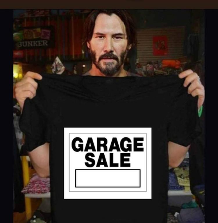 Пользователи шутят на тему объявления о гаражной распродаже