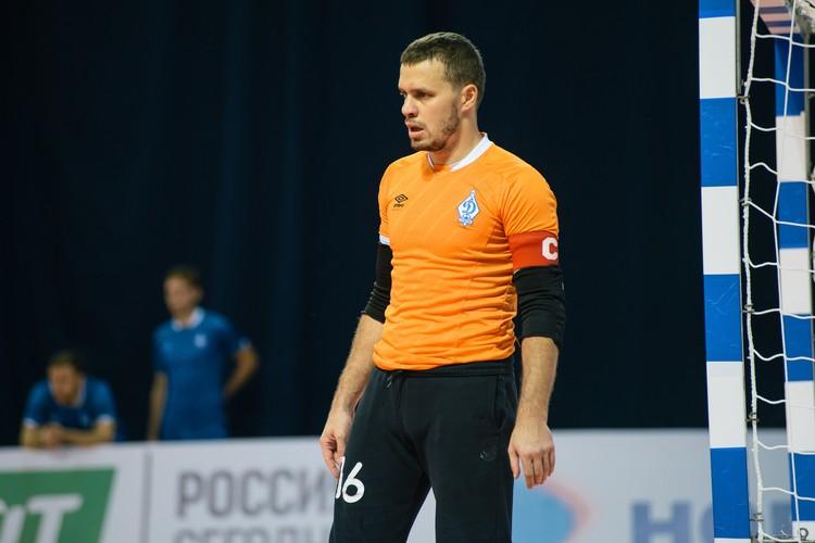Ворота «Динамо» защищает человек с сильным именем - Иван Поддубный