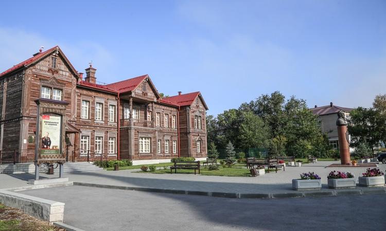 Мемориальный музей М. Т. Калашникова в Курье. Раньше это была школа, в которой с 1927 по 1930 год учился будущий конструктор. Фото: Ольга Кожемякина