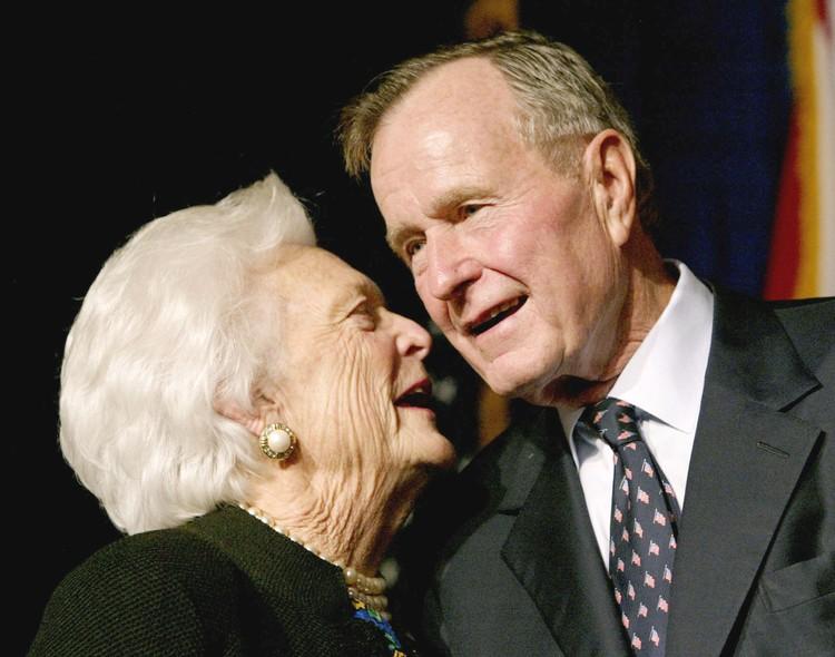Полгода назад скончалась супруга Джорджа Буша-старшего Барбара