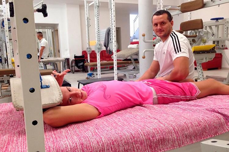 Тренировки и восстановление были очень непростыми. Но Мария терпела, потому что мечтала встать на ноги.