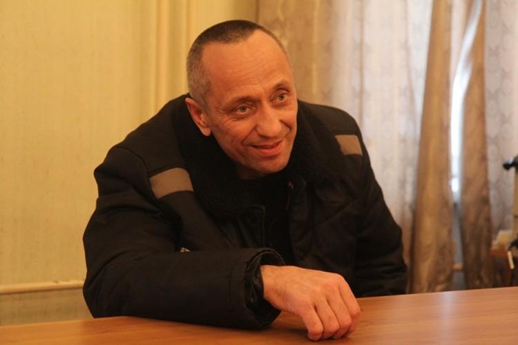 """Попков с удовольствием раздавал """"интервью"""" журналистам."""