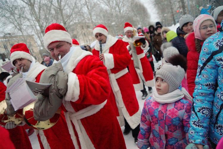 В красноармейском устроят свой парад Дедов Морозов.