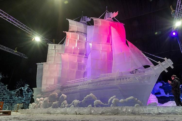 Ледовый парусник Алые паруса можно увидеть на Ice Fantasy 2019 в Петербурге.
