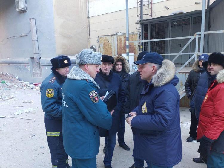 Министр МЧС Евгений Зиничев на месте трагедии. Фото: пресс-служба губернатора Челябинской области