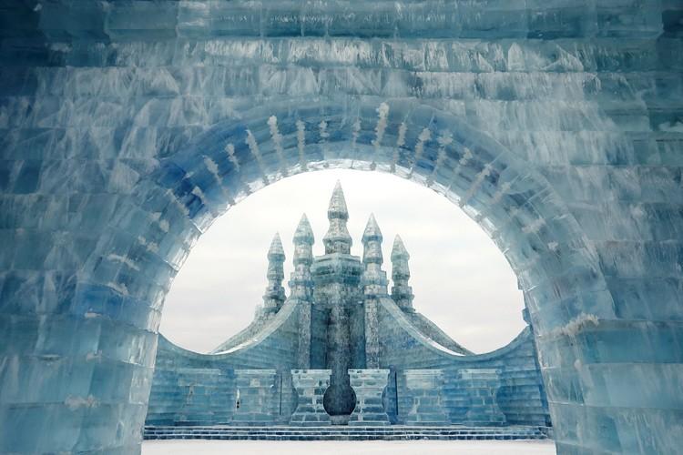 Провинция Хэйлунцзян, в которой находится город Харбин, граничит с Россией и имеет такой же холодный климат