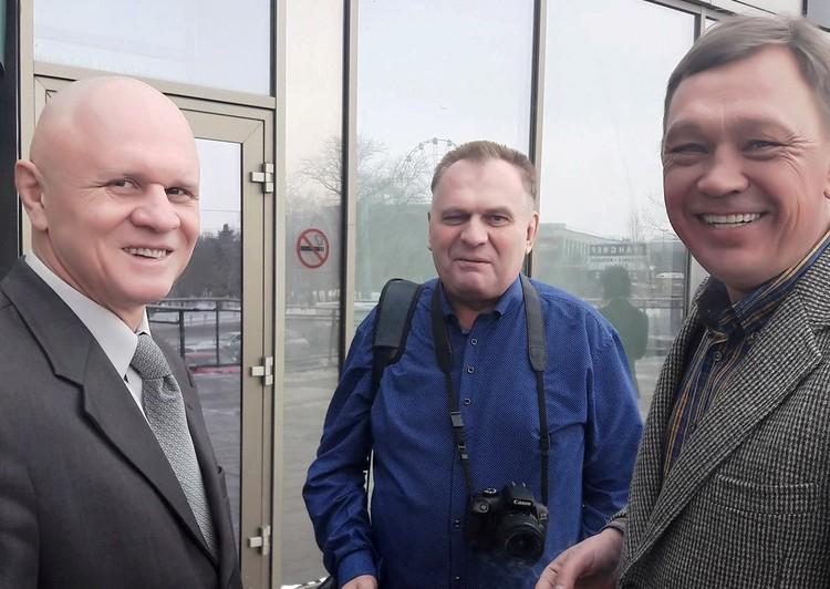 Боксер Андрей Шкаликов (слева) делился с челябинскими журналистами историями из своего светлого прошлого.