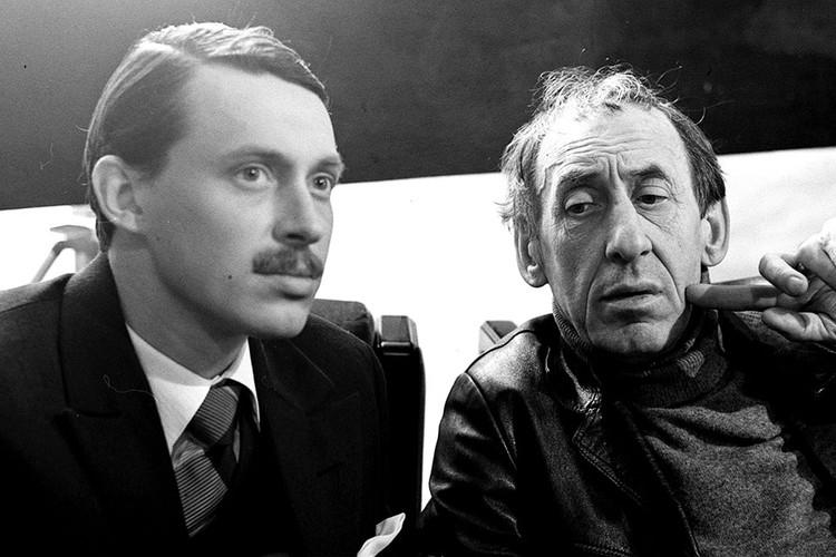 Актер, кинорежиссер Владимир Павлович Басов (справа) с сыном Владимиром в 1983 году. Фото Николая Малышева /Фотохроника ТАСС/.