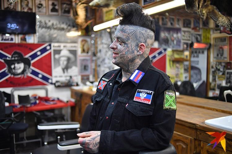 Американский парикмахер променял Лос-Анджелес на Москву, чтобы стать свободным