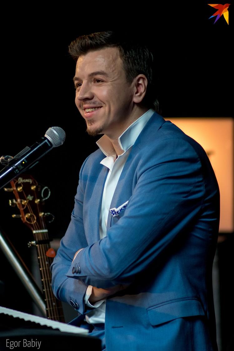 """Роман Козырев говорит, что у каждого поколения белорусов должны быть свои """"Песняры"""". Фото: Егор Бабий"""