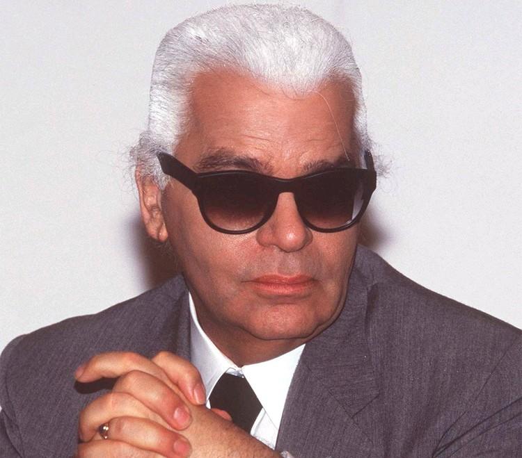 Солнцезащитные очки - любимый аксессуар Лагерфельда, им всегда уделялось особое внимание в его коллекциях.