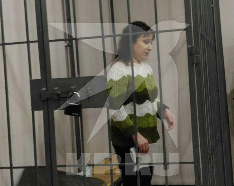 В зале суда Бакшеева вела себя тихо.